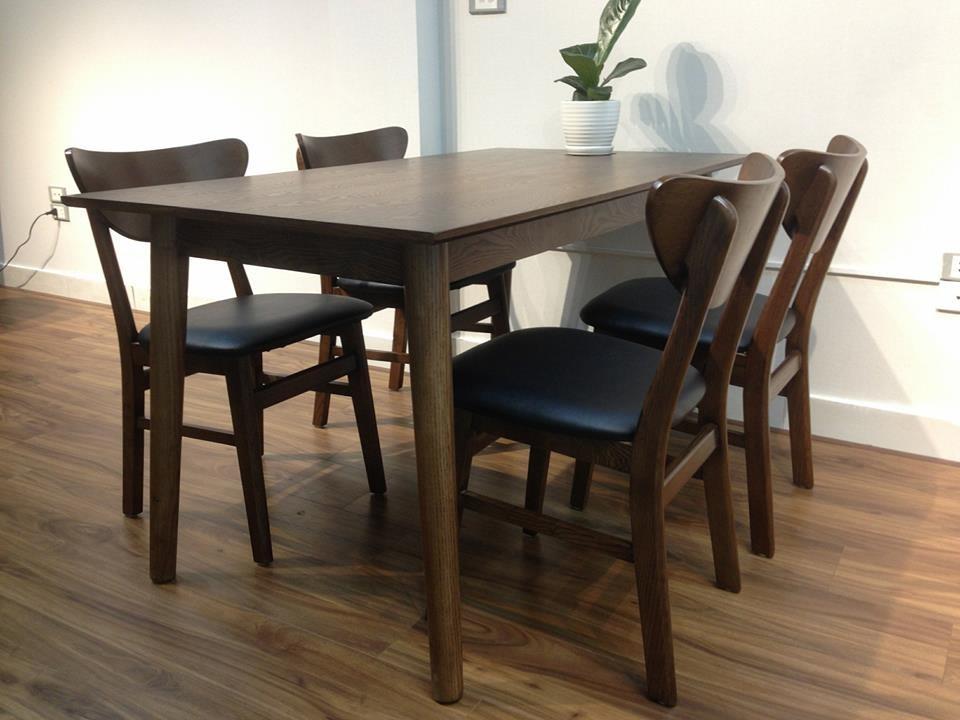 Mẫu bàn ăn gỗ óc chó 4 ghế đẹp